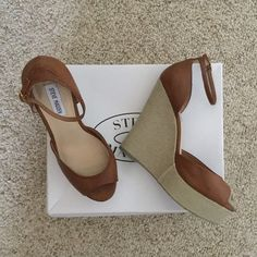Steve Madden Peep Toe Ankle Strap Wedge Sandals These adorable, brown, wedge sandals are in great shape, like new. Size 10 Steve Madden Shoes Wedges