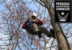 A história de que gatos sobem em árvores não é restrita a desenhos animados e ao imaginário popular. Para se defender de predadores, felinos não raro escolhem o topo de árvores como abrigo e, na hora de descer, não dão conta do recado. Nos filmes, o herói que resgata os gatinhos costuma ser um bombeiro ou policial, mas na vida real, essa é uma tarefa para o norte-americano Dan Kraus. Apaixonado por árvores e especialista em subir nelas, Kraus possui certificações e mais de 20 anos de…