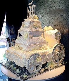 "This is my cake orgasm. ""Fairytale Carriage CAKE~OH MY GOODNESS! constructed carriage covered in fondant and buttercream with all edible stacked pillows of cake, white chocolate and fondant~AMAZING"" Beautiful Wedding Cakes, Gorgeous Cakes, Pretty Cakes, Cute Cakes, Amazing Cakes, Cake Wedding, Crazy Cakes, Fancy Cakes, Unique Cakes"