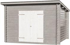 Förråd Grimsås 9 Ett gediget knuttimrat förråd. Passar utmärkt som vedbod eller cykelförråd. Boden blir en del av trädgården utan att vara skrymmande trots att den rymmer förvånansvärt mycket. Levereras komplett med färdigkapade takåsar och oisolerad dubbeldörr (145 x 176 cm). Ventilationsgaller och spik/skruvsats medföljer. Golvsats och taksats finns som tillval.