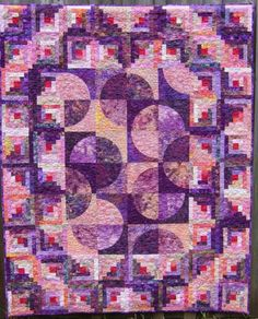 Log Cabin pattern by Kathy Klassen: Log Cabin blocks paired with the Drunkards Path