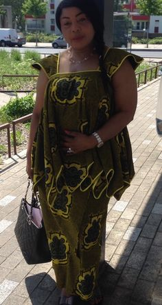 African Wear Dresses, African Attire, African Tops, African Women, African Print Fashion, Africa Fashion, Victoria Fashion, African Design, Congo