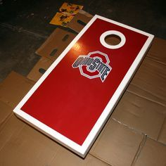 How to make your own corn hole board. Looks like me and Papa better get working on this for the party!