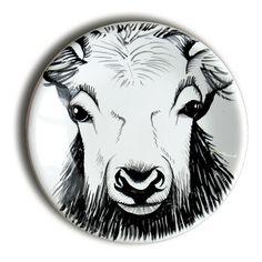 Petite assiette Chevreuil en faience de la Faiencerie Georges Assiette Design, Sharpie Paint, Motifs Animal, Cup Art, Ceramic Painting, Ceramic Pottery, Animals And Pets, Moose Art, Decorative Plates