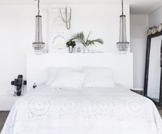 Beach boho: this coastal home nails white-on-white design Dream Bedroom, Master Bedroom, Orient House, Indian Doors, Mcm House, Old Home Remodel, Timber Deck, House By The Sea, Furniture Layout