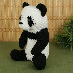 Giant Panda amigurumi crochet pattern