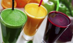 Daily detox drinks flush toxins, lose body fat reduce inflammation, boost energy and speed weight loss. Cleanse yourself with detox drinks. Detox Diet Drinks, Detox Juice Recipes, Smoothie Detox, Detox Juices, Cleanse Recipes, Healthy Juices, Healthy Soup, Stay Healthy, Soup Recipes