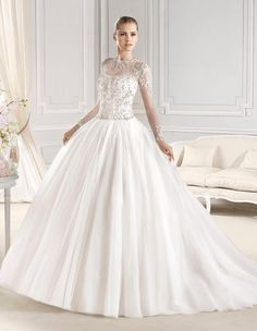 EREDEN wedding dress from the Glamour 2015 - La Sposa collection   La Sposa