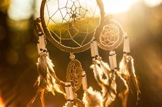 The true story of the lone woman of San Nicolas Island , tells of an amazing native american, later baptised in the Santa Barbara Mission with the name Juana. Dream Catcher Pictures, Trauma, Dream Catcher For Kids, Haus Am See, Mindfulness Training, Thing 1, Hanging Wire, Magick, Wiccan
