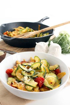 Braised Fennel, Tomato and Bean Zucchini Pasta - Inspiralized.com Can't wait to make this tomorrow!