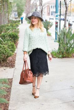 20 Ways to Pull Off a Lace Skirt During the Day | StyleCaster