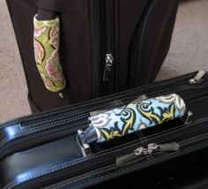 Great gift for anyone who travels. FREE Pattern! Designer Luggage Handle Cover | Quilt Girl