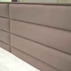 łóżko kontynentalne Corona - wezgłowie w kolorze Novel 03 Beige Bed Pillows, Pillow Cases, Couch, Furniture, Home Decor, Corona, Pillows, Settee, Decoration Home