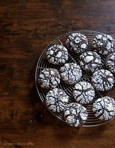dark chocolate ginger molasses crackle cookies | une gamine dans la cuisine