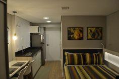 Apartamento pequeno com piso laminado Projeto de Machado Fontana Arquitetura Wood Laminate, Flooring, Bed, Furniture, Home Decor, Laminate Flooring, Arquitetura, Benefit Brow, Kitchens