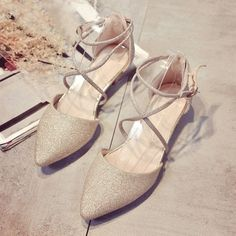 Brand: NO Shoe Type: Flat Shoes Toe Type:Point Toe Closure Type: Buckle Heel Type:Flat Heel Height: 1-3cm Gender: Female Occasion: OfficeSeason: Summer Autumn Color: Gold Silver Material: Upper Materi #weddingshoes