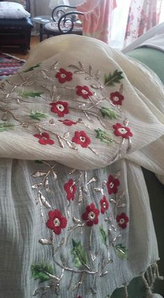 Couture Embroidery, Indian Embroidery, Embroidery Fashion, Embroidery Dress, Cross Stitch Embroidery, Embroidery Patterns, Hand Embroidery, Machine Embroidery, Neck Designs For Suits
