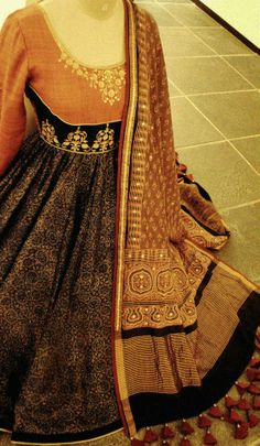 Dhruv Singh! Detail Anarkali Dress, Pakistani Dresses, Indian Sarees, Indian Dresses, Indian Suits, Indian Attire, Indian Wear, India Fashion, Ethnic Fashion