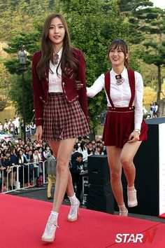Knee Socks Outfits Hogwarts Uniform Girls In Mini Skirts Girls Together Plaid Skirts Japanese Fashion Korean Fashion School Fashion Girl Fashion School Uniform Outfits, Cute School Uniforms, School Girl Outfit, Classy Outfits, Girl Outfits, Cute Outfits, Fashion Outfits, Japanese Fashion, Korean Fashion