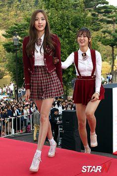BESTie - HaeRyung & HyeYeon 141001 : [포토] 베스티 혜연 '해령아 같이 가~'