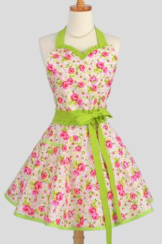 Sweetheart Retro Apron -  Hot Paisley of Pink Rose Bud Floral