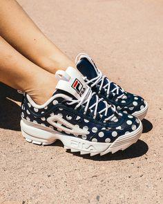 Sneakers Fashion, Shoes Sneakers, Shoes Heels, Dream Shoes, New Shoes, Basket Fila, Trendy Shoes, Louboutin Shoes, Custom Shoes
