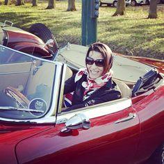 Foulard Grace Kelly collection Sportchic rouge V.L Carré de Soie