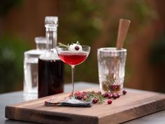 Rudolph's Cranberry Antlers Cocktail recipe from Geoffrey Zakarian via Food Network Christmas Dinner Menu, Christmas Cocktails, Holiday Drinks, Holiday Recipes, Christmas Ideas, Christmas Recipes, Holiday Ideas, Winter Cocktails, Holiday Foods