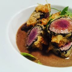 This is a version of  one of the first  dishes i ever cook when i was a very young commis at duke's bar and restaurant with @leleusai  in #rome . This is my tribute to those memories: Tataki of bonito in tempura with  local lentils stew ponzu dressing and nori seaweed #tataki #foodgasm #foodie #foodporn #km0 #memories #slowfood #patilamorera by patilamorerarestaurant