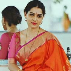 Indian Groom Wear, South Indian Bride, Marathi Bride, Marathi Nath, Marathi Saree, Beautiful Girl Indian, Beautiful Indian Actress, Latest Silk Sarees, Hot Images Of Actress