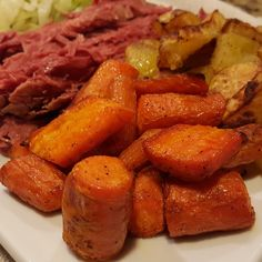 Patrick's Day Dinner: Corned Beef, Cabbage, and Roasted Potatoes and Carrots – Rumbly in my Tumbly Roasted Potatoes And Carrots, Cabbage And Potatoes, Potatoes In Oven, Roasted Cabbage, Beef And Potatoes, Cooked Carrots, Corn Beef And Cabbage, How To Cook Potatoes, Dutch Oven Corned Beef