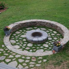 Other Design Ideas:Traditional Landscape Fire Pit Seat Wooden Chairs Relaxing Place Open Space Backyard Cool Air Home Garden Tree House Rock Garden Cool Design Gorgeous Fire Pit Ideas as Rustic Modern Home Exterior Sunken Fire Pits, Diy Fire Pit, Fire Pit Backyard, Fire Pit Seating, Fire Pit Area, Outdoor Fire, Outdoor Living, Haus Am See, Fire Pit Materials