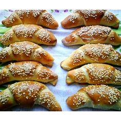 Ciabatta, Ham And Cheese, Dessert Recipes, Desserts, Pretzel Bites, Croissant, Food And Drink, Cooking Recipes, Snacks