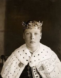 The young Prince Edward, known in his family as David (later King Edward VIII/Duke of Windsor) in robes and coronet at his investiture as Prince of Wales in 1911. He was said to have hated the entire ordeal and to have been very embarrassed by it.