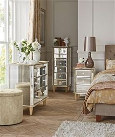Antique Style Mirrored Furniture Is Amazing