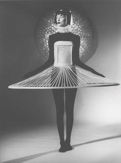 COSMIC MACHINE: JUM NAKAO// Paper Fashion