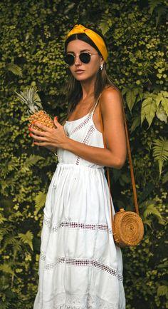 summer outfits White Maxi Dress + Camel Shoulder Bag