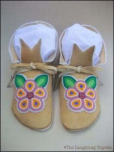 Native American Style Beaded Adult Moccasins by TheLaughingCoyote Native Beadwork, Native American Beadwork, Native American Fashion, Sewing Leather, Leather Craft, Beaded Moccasins, Baby Moccasins, Applique Stitches, Bead Sewing