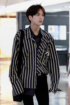 Your Bias collection Fashion Idol, Pop Fashion, Aesthetic Korea, Kim Young, Boy Idols, Outfits Hombre, Today Pictures, Cha Eun Woo, Wattpad