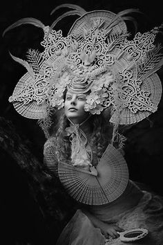 New Photography Fantasy Fairytale Sirens Ideas Mascara Papel Mache, Foto Fantasy, Art Photography, Fashion Photography, Snow Queen, Sculpture, Pics Art, Headdress, Costume Design