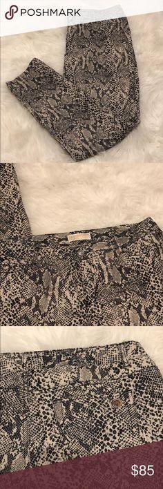 Michael kors snake print jeans Like new  Inventory Code: B Michael Kors Jeans Skinny