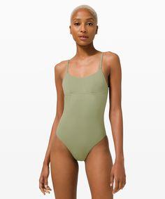 Beautiful Dark Skinned Women, Women Swimsuits, Dips, Lululemon, Swimming, One Piece, Personal Shopping, Swim Top, Swimwear