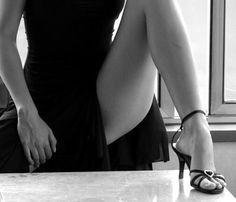 pensierinudi:  Chi intriga la mente seduce i sensi. C. Prevale