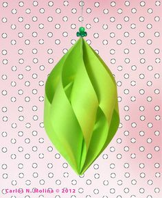 Twisted Paper Ribbon in Green Happy Holidays! Paper Christmas Decorations, Paper Christmas Ornaments, Paper Ribbon, Ribbon Crafts, Homemade Christmas, Christmas Crafts, Green Christmas, Paper Crafts Origami, Holiday Crafts