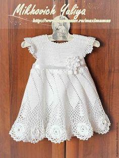 "Croche pro Bebe: Vestidinho em crochê [ ""Croche pro Bebe: Vestidinho em crochê ♥️LCK-MRS♥️ with diagrams. Crochet Dress Girl, Baby Girl Crochet, Crochet Baby Clothes, Crochet Lace, Crochet Toddler, Crochet For Kids, Toddler Dress, Baby Dress, Baby Sweaters"