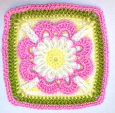 I AM...CRAFTY!: Hooked on Granny Squares