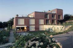 Liechti Graf Zumsteg - Zweifamilienhaus Lindhofstrasse, Windisch #Architecture #LiechiGrafZumsteg #SwissArchitecture #Concrete #Residential