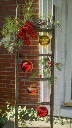 Decorare una scala per Natale! Ecco 20 idee creative…