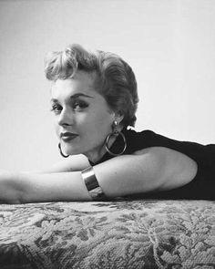 1952. Tippi Hedren, New York