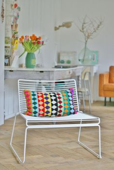 oblong pillow project by ingrid jansen (wood and wool stool) completely love the colours used for this cushion. the smart ikatish diamond is also a winner Estilo Interior, Deco Boheme, Piece A Vivre, Take A Seat, House Colors, Interior Inspiration, Interior Ideas, Boho Decor, Sweet Home